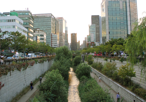Cheonggyecheon Walk | Seoul, South Korea