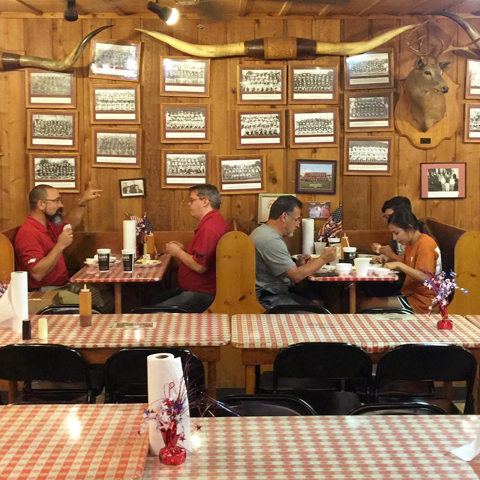 No fuss at Black's Barbecue | Lockhart, Texas