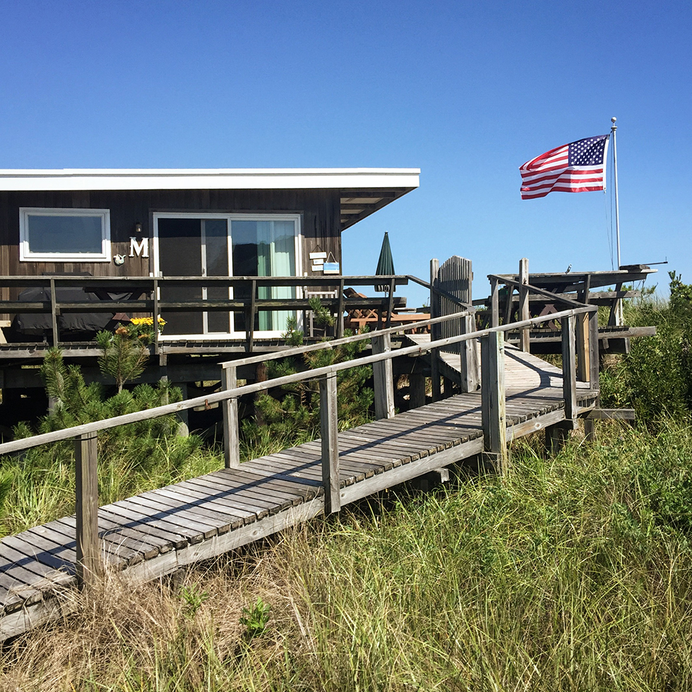 Beachfront dwelling of Fire Island | Fire Island, New York