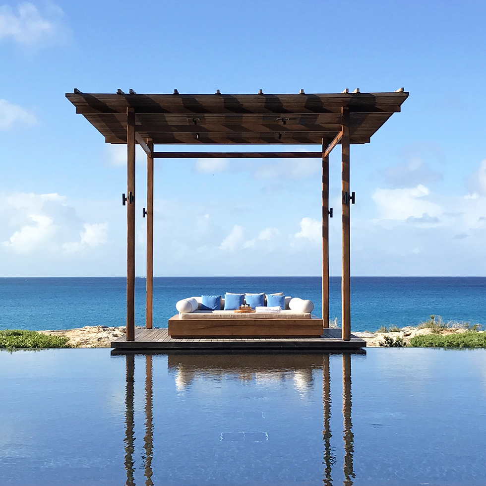 A cabana at Amanyara's infinity pool | Turks and Caicos