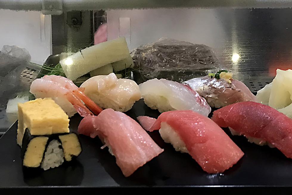 Early Breakfast at Sushi Zanmai | Tokyo, Japan
